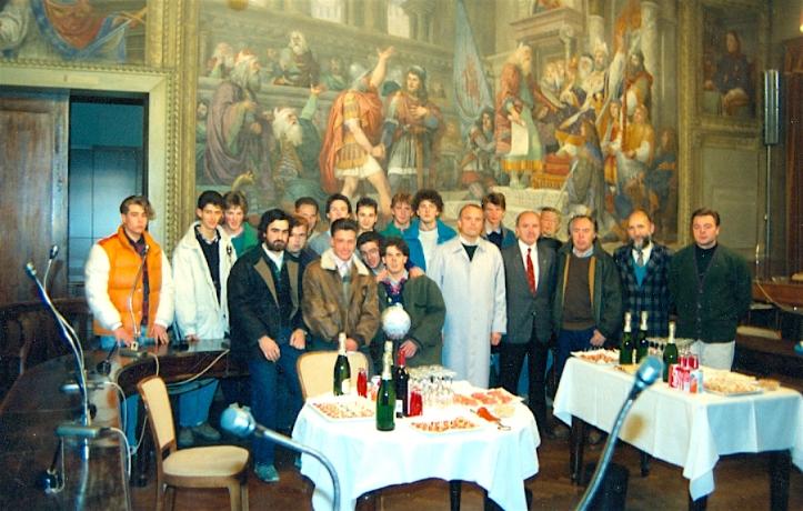 Copia di 1988 - Presentazione Società.jpg